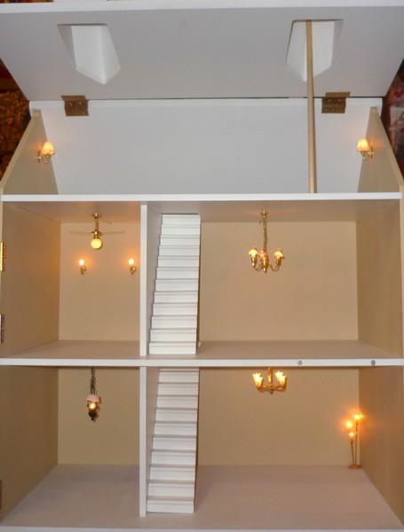 Case la casa delle bambole for I costruttori costano per costruire una casa